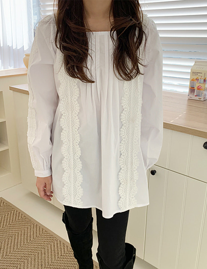 square neck lace blouse (2color)