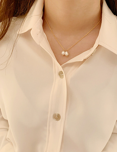 two pearl necklace